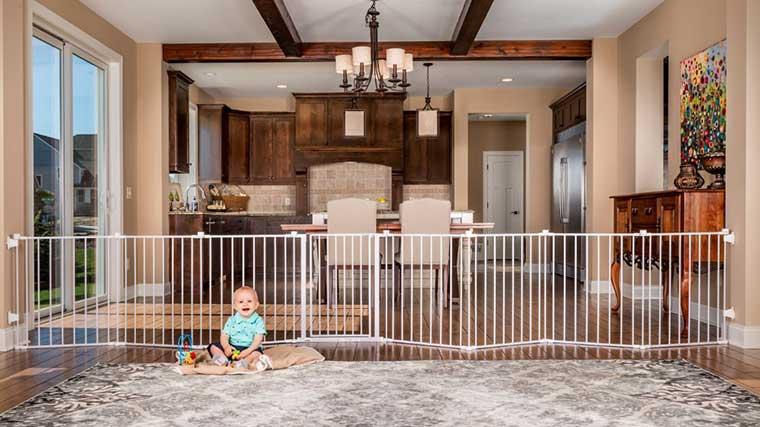 Adjustable Baby Fence