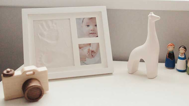 Footprint picture frame