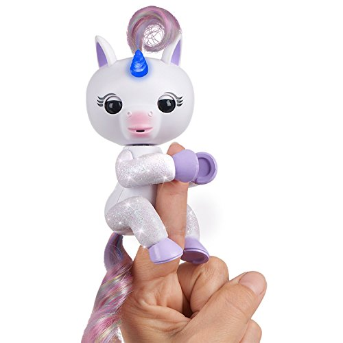 Fingerlings Light Up Interactive Unicorn