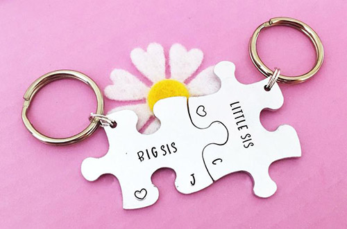 interlocking sister keyrings