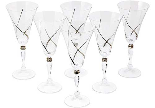 Wine Glasses with Platinum Detailing